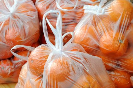 Dünne Plastiktüten in der Obst- und Gemüse-Abteilung bleiben kostenlos
