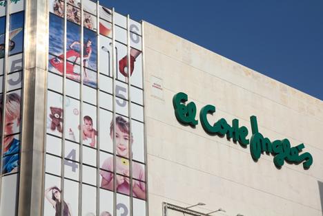 Quelle: Tupungato / Shutterstock.com El Corte Ingles 2010 Valencia Spain