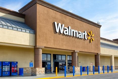 Quelle: Ken Wolter / Shutterstock.com Walmart store Salinas California, USA
