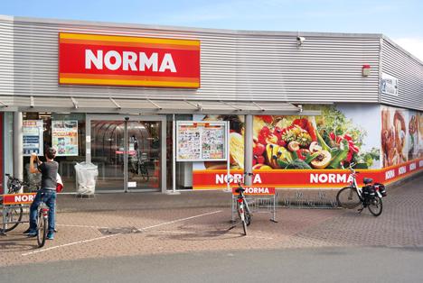 Quelle: defotoberg / Shutterstock.com Norma discount supermarket Bocholt Germany