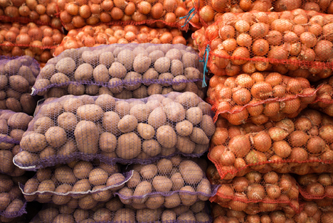Bildquelle: Shutterstock.com Kartoffel Zwiebel