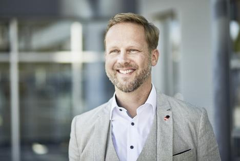Christian Schug freut sich über die Auszeichnung zu Österreichs beliebtestem Diskonter. Foto © Lidl Österreich