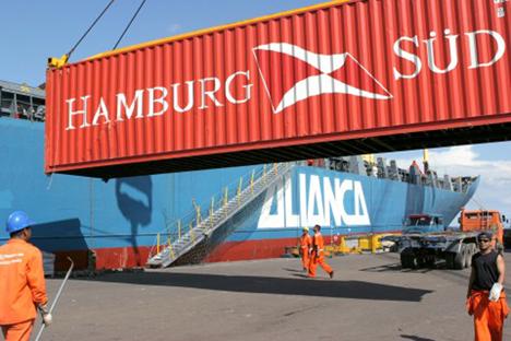 hamburg sued ctr Loading_in_Manaus Foto © Hamburg Süd