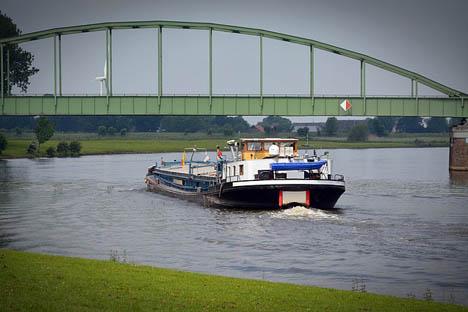 Image by bernswaelz from Pixabay Barge Binnenschiff Deutschland