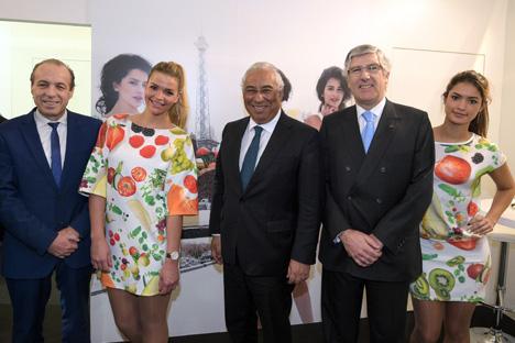 Besuch des portugieschen Premierministers - Manuel Évora, Präsident von Portugal Fresh; António Costa, Premierminister von Portugal; João Mira Gomes, Botschafter von Portugal in Berlin (v.l.n.r.)