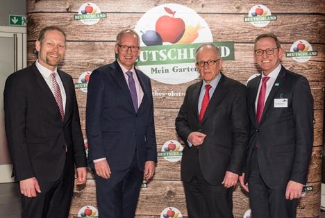 BU:10. German Fruit Traders Night: (v.l.n.r.) Dr. Christian Weseloh, Dr. Henning Ehlers, Dr. Hermann Onko Aeikens, Franz-Josef Holzenkamp. Foto BVEO