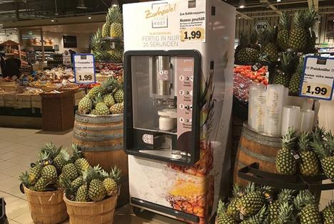 """""""Spotlight"""" Messepremiere: Ananas-Schälmaschine Piñabar Foto © Dutch Food Technology"""