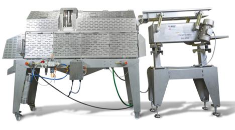 Foto © Atlas Pacific Engineering stellt eine Entstielungsmaschine für Erdbeeren vor