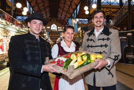 Grüne Woche Ungarn. Frisches Gemüse in bester Qualität ist in der Budapester Markthalle immer zu haben © 2016 Messe Berlin