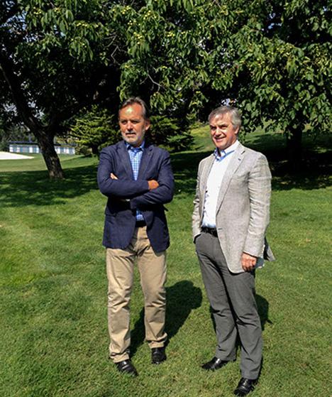 Foto: Álvaro Jiménez, Präsident von Chilenut (links), neben Karl Samsing, der Präsident der Chilean Walnut Commission.