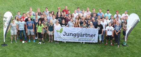 Gruppenfoto aller Teilnehmerinnen und Teilnehmer der Junggärtnerwoche in Grünberg. Foto: Adj