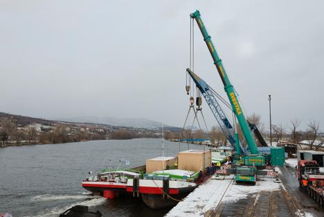 Oberelbe Häfen bleiben auf Kurs – Trimodalität ist gefragt. Foto © Hafen Hamburg / SBO