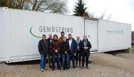 """Firma """"Gemüsering Thüringen"""" finanziert für zehn Jahre das mobile Gewächshaus. Foto © HSWT"""