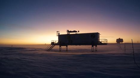 EDEN ISS Gewächshaus zu Beginn der Polarnacht in der Antarktis. Credit: DLR (CC-BY 3.0)