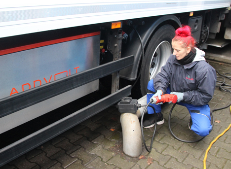 Fahrerin Inga. Foto © Fa Weihe GmbH