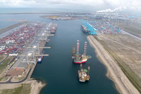 Prinses Amaliahaven, Hafenbetrieb Rotterdam – Foto © Paul Martens
