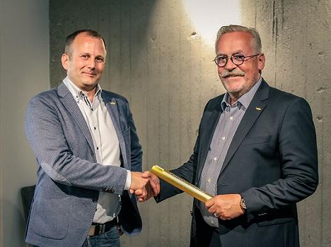 Christian Wagner befindet sich links und Gerhard Sailer rechts. Foto © Basic AG
