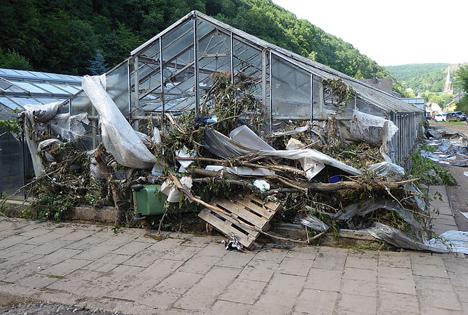 Nach der Flut blieben Verwüstung, Schlamm und Entsetzen. Foto © Gartenbau-Versicherung
