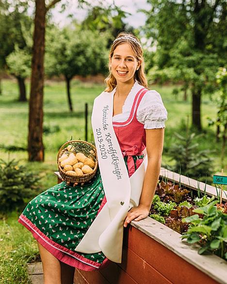 Rheinische Kartoffelkönigin Anna Müller. Foto: Dominik Asbach