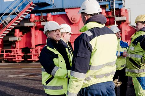 HHLA-Vorstandsvorsitzende Angela Titzrath besucht den Containerterminal Tollerort (CTT). © HHLA/ Martensen