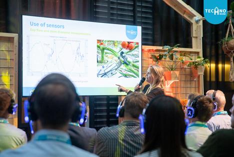 Rijk Zwaan TechnoHouse expert Angela van der Maarel. Foto © Rijk Zwaan