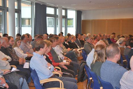 Die Teilnehmer im ausgebuchten Saal. Foto © BDC