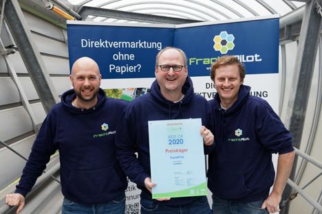 Innovationspreisgewinner FrachtPilot: (v.l.n.r.) Die drei Gründer Jan-Hendrik Fischer, Dr. Stefan Fleischer und Dr. Sebastian Terlunen - Foto © FrachtPilot