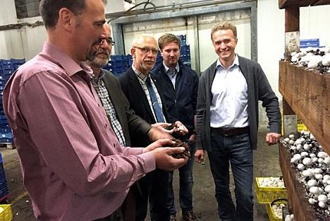 Bild BDC Niedersachsen: Champostfragen im Betrieb Dohme erörtert