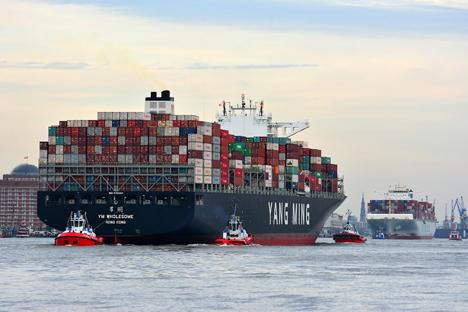 Grosscontainerschiffe_hat_sich_dieses_Jahr_vervielfacht_copyright_HHM_Hasenpusch.jpg