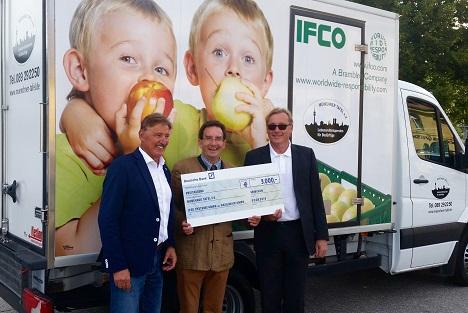 IFCO Mitarbeiter zu Besuch bei der Münchner Tafel