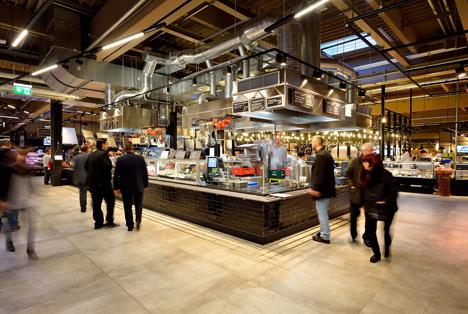 """Die Zukunft des Einkaufens hat begonnen: real,- eröffnet die Markthalle Krefeld. Quellenangabe: """"obs/real,- SB-Warenhaus GmbH/Carlos Albuquerque"""""""