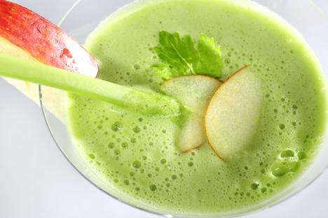 Exotisch: Apfel-Papaya-Melonen-Drink