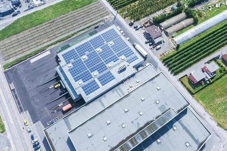 Solaranlage auf Braeburn+ in Charrat. Foto © Fenaco
