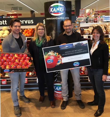 Kanzi®-Gewinnspiel - Preisübergabe im Rewe-Markt