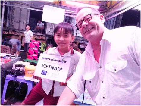 Foto: Oliver Huesmann mit Dang (O&G Großmarkt Ho Chi Minh City). Foto © Eurofreshproduce