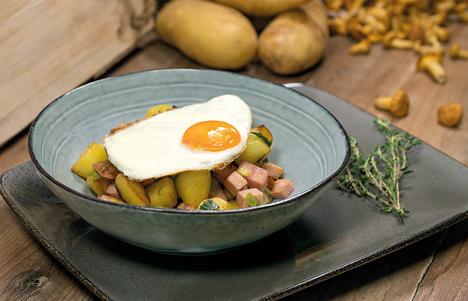 Die Kartoffel-Leberkäs-Pfanne ist einfach zuzubereiten und schnell serviert. Foto © KMG/die-kartoffel.de